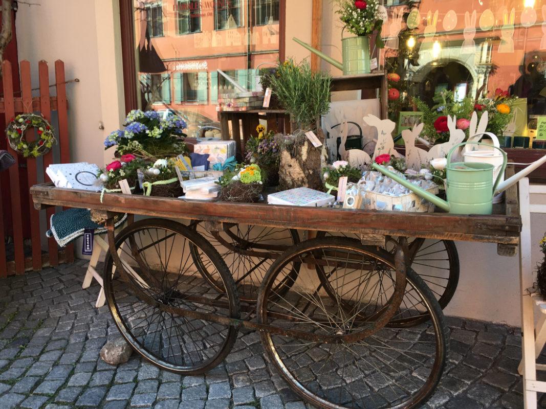 Ab In Den Mai Mit Neuer Dekoration Florales Wohnen At Home